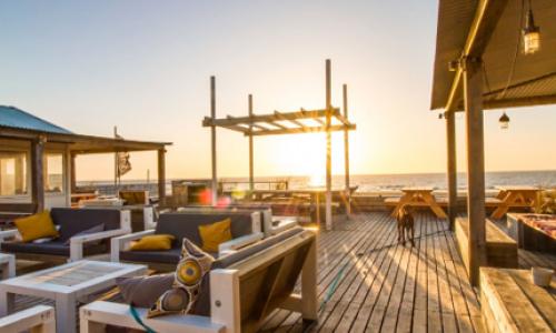 """Corendon heeft het strandpaviljoen """"The Barefoot Cottage"""" gelegen aan de strandweg 8 te Zandvoort gekocht van een private belegger. P van den Bosch Bedrijfsmakelaars B.V. heeft de belangen van verkoper behartigd tijdens deze transactie."""